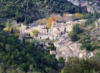 gallery/saint-guilhem-herault-village.